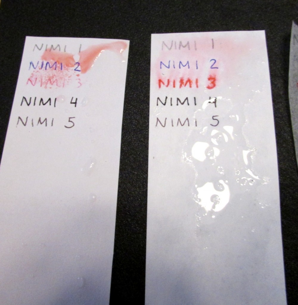 Kuva 3 - Vasemmalla Ritr-paperi ja oikealla Pretex -paperi