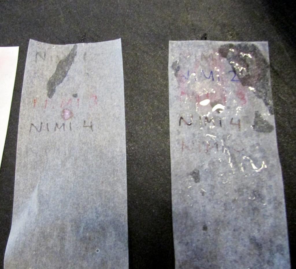 Kuva 6 - Vasemmalla leivinpaperi ja oikealla voipaperi.
