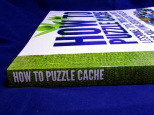 Kuva 1 - Mysteerikirjassa on reilut 300 sivua, joten lukemista piisaa.