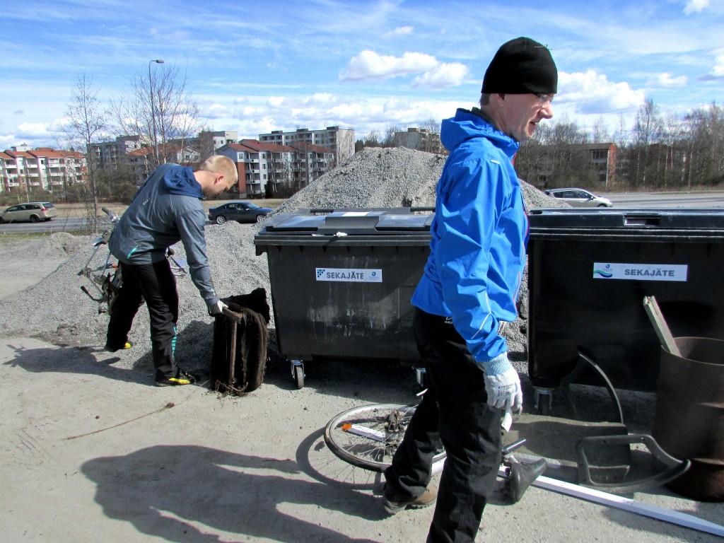 Isompiakin roskia löytyi alueelta melkoisen paljon.