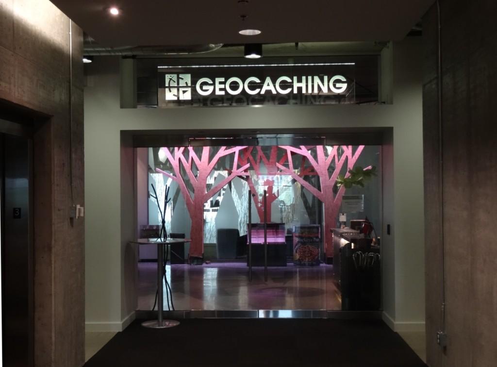 Kuva 1 - Geocaching HQ:n sisäänkäynti.