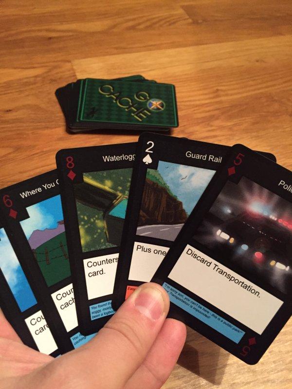 Kuva 1 - Go Cache -korttipelissä pelaajalla on kädessä viisi korttia.