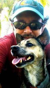 Kuva 3 - Elokuvantekijä HurricaneJuan ja Kato -koira.