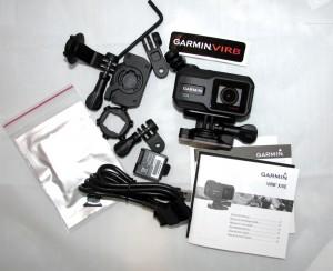 Kuva 9 - Kameran mukana tulevat tarvikkeet.