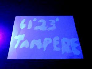 Kuva 13 - Eurolite UV-maali pimeässä UV-valossa. Erityisen sinistä jälki ei ole.