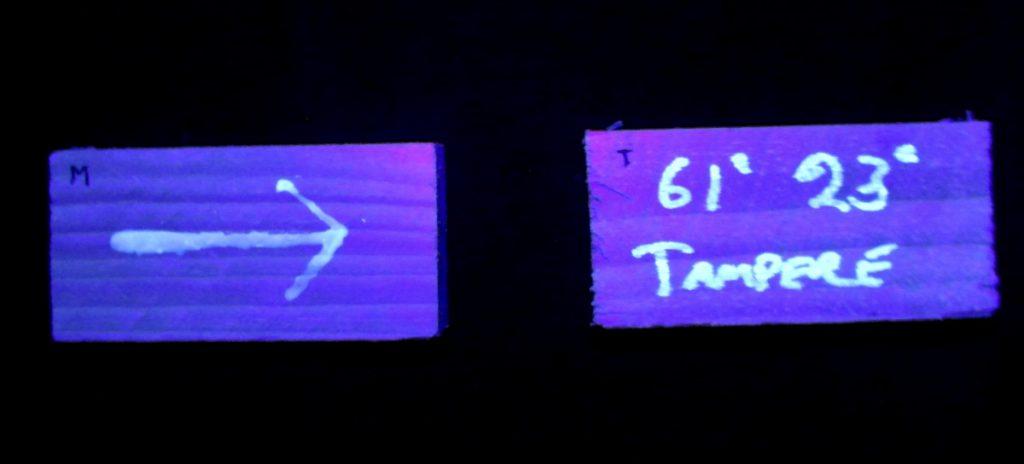 Kuva 26 - Vasemmalla 15 ml maali pimeässä ja oikealla tussi.