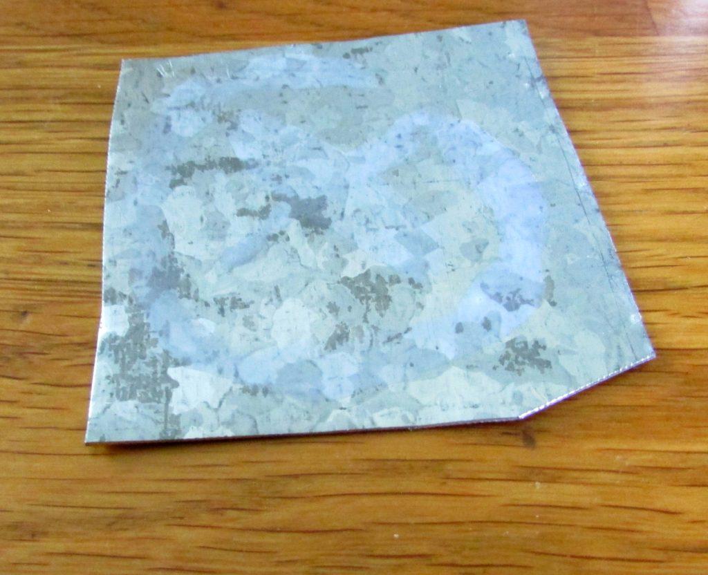 Kuva 19 - Eurolite -maalikin on metallissa kuivuttuaan nähtävissä jos oikein tarkkaan katsoo.