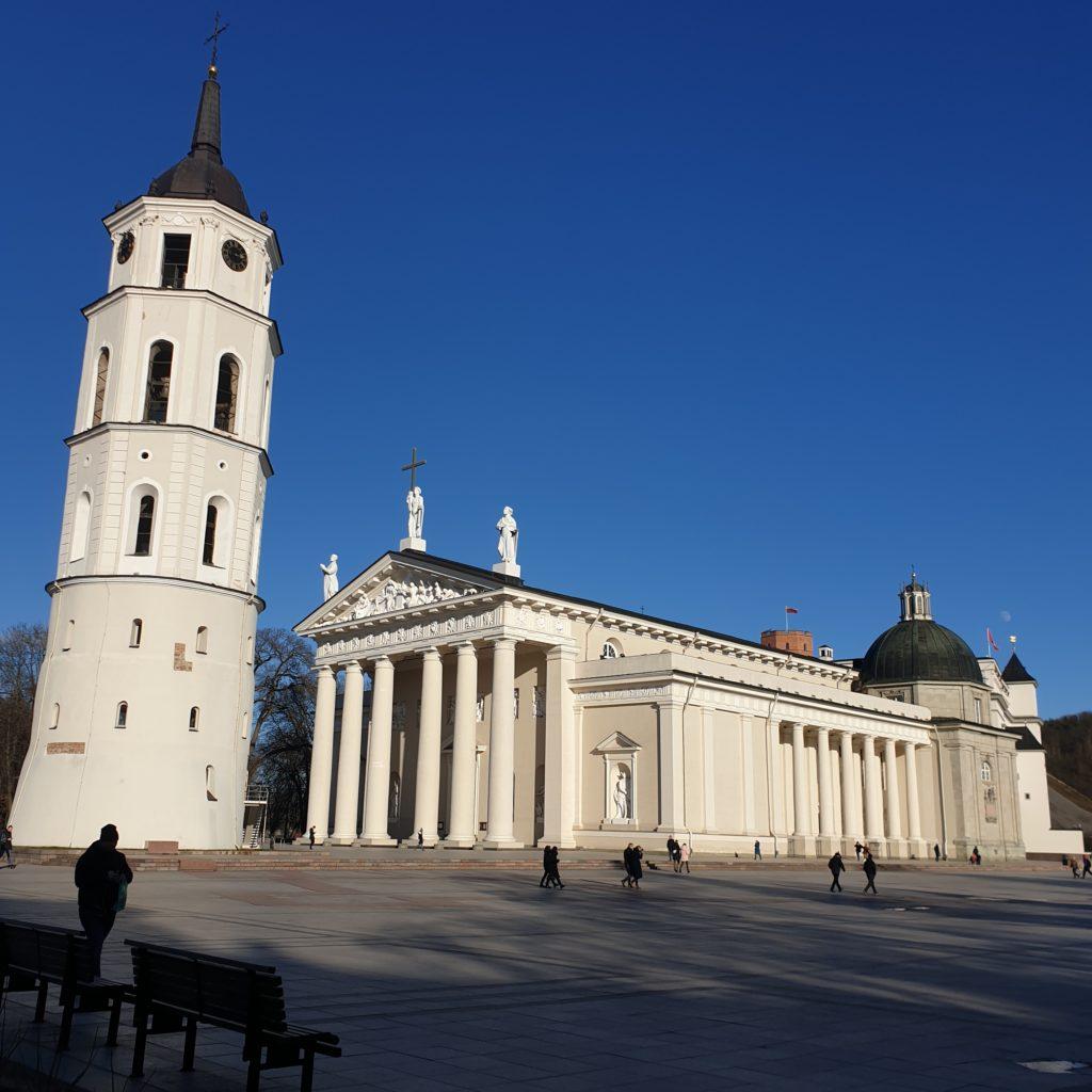 Vilnan katedraali, josta saa yhdeltä seisomalta suuren määrän waymarkeja
